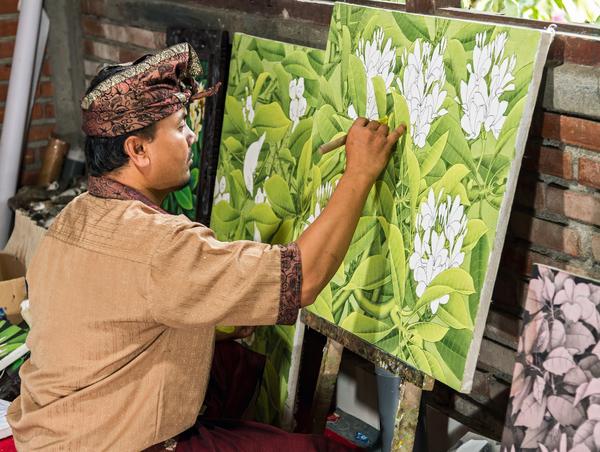 Artiste devant sa toile à Ubud, Bali, photo © Dima Fadeev via Shutterstock